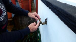 How to prevent your outside tap from freezing up